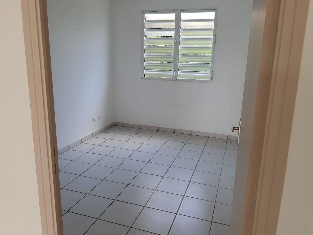 Appartement à louer 3 73.84m2 à Le Lamentin vignette-8