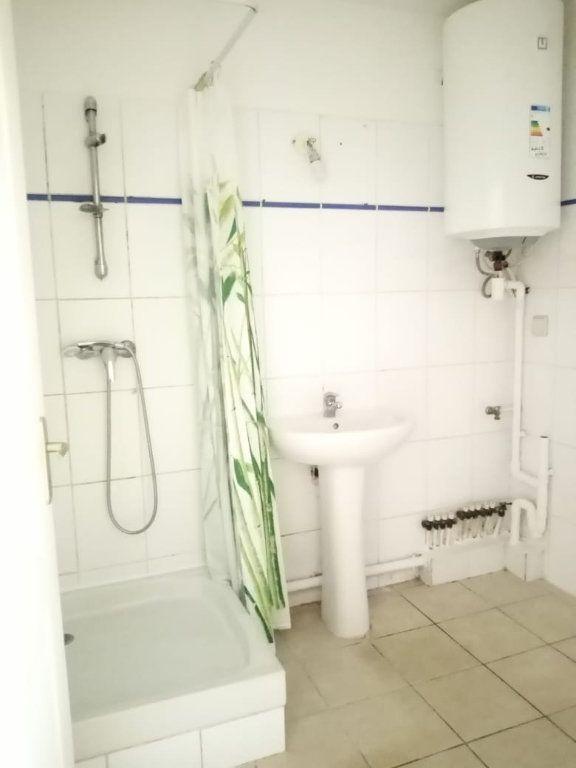 Appartement à louer 3 68.26m2 à Fort-de-France vignette-7