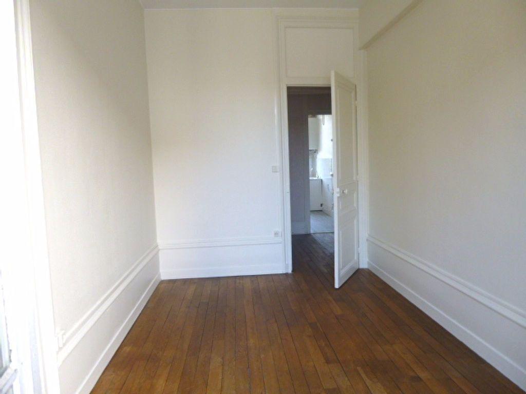 Appartement à louer 4 95m2 à Chalon-sur-Saône vignette-5