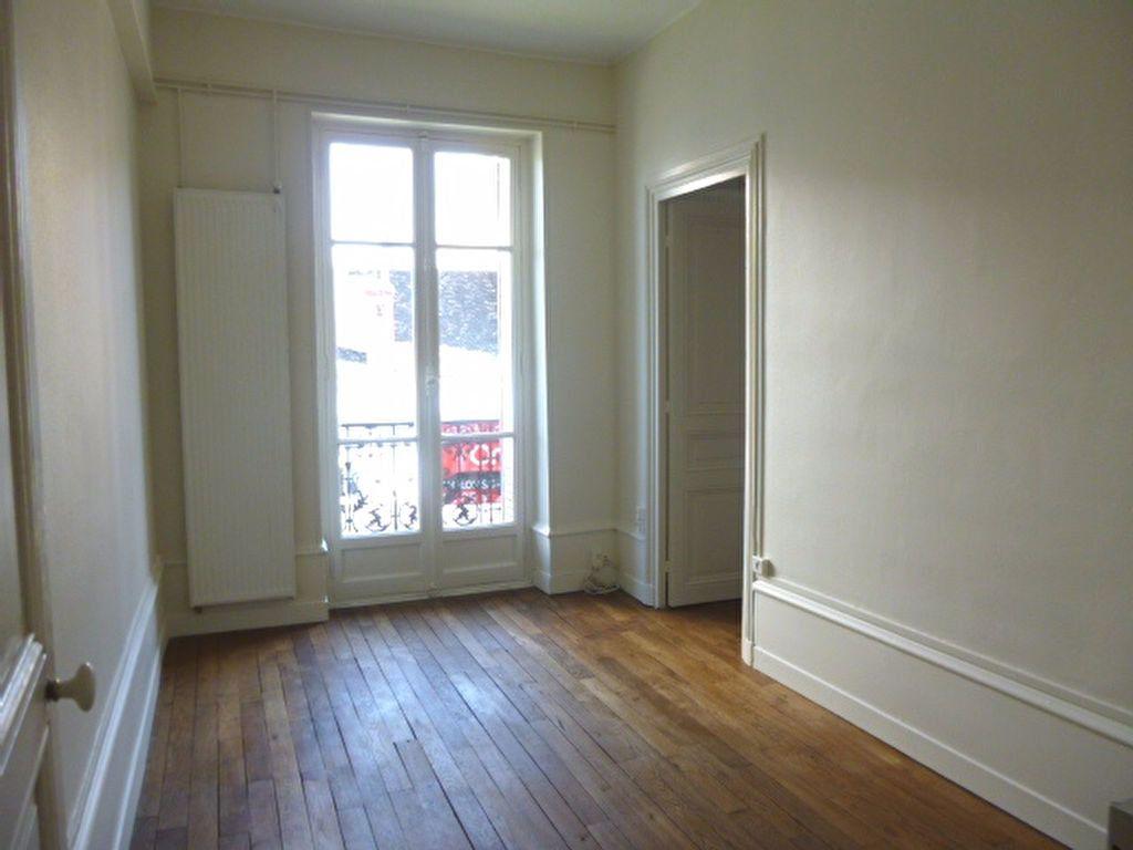 Appartement à louer 4 95m2 à Chalon-sur-Saône vignette-6