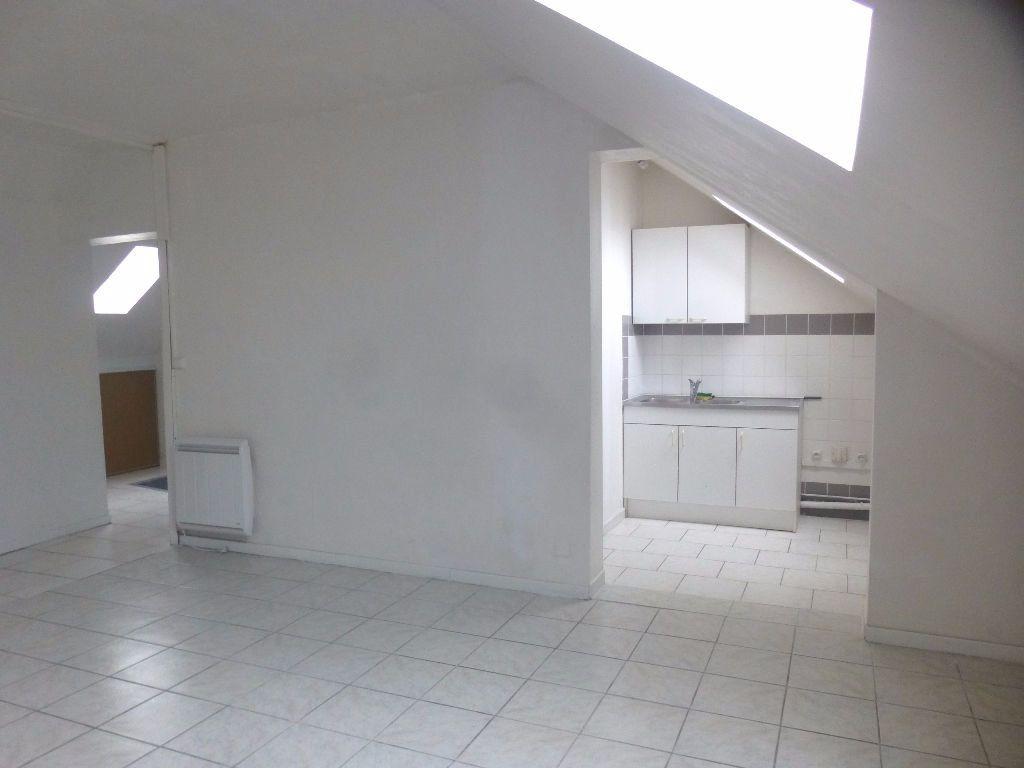 Appartement à louer 4 92m2 à Chalon-sur-Saône vignette-1