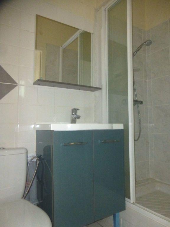 Appartement à louer 4 92m2 à Chalon-sur-Saône vignette-7