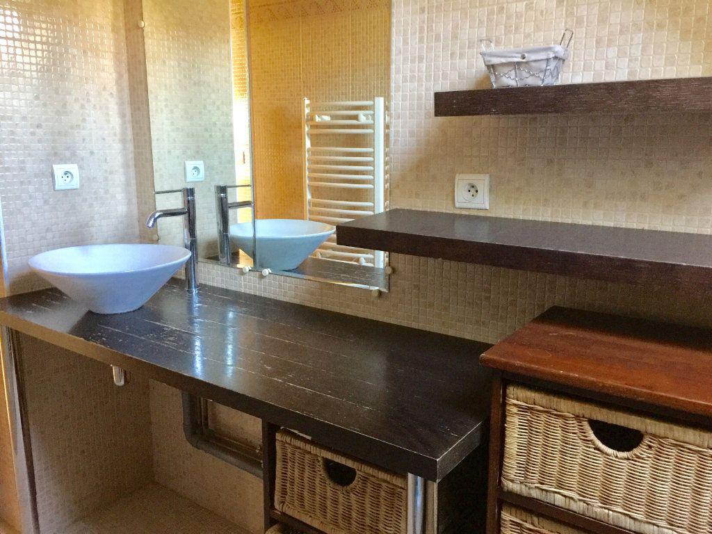 Appartement à louer 3 60m2 à Chalon-sur-Saône vignette-6