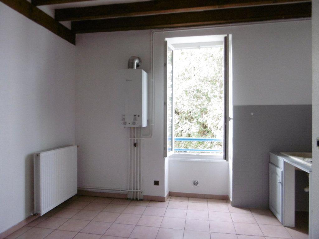Appartement à louer 2 37m2 à Chalon-sur-Saône vignette-3