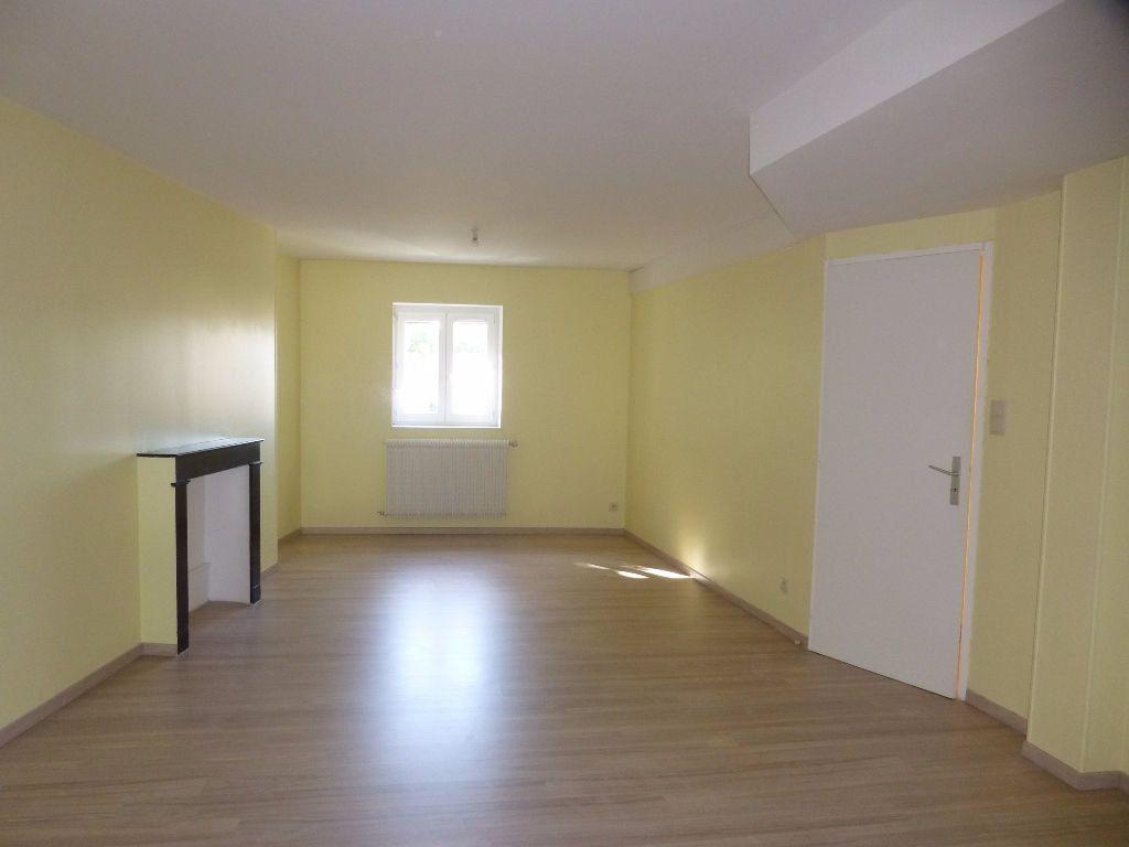Appartement à louer 3 75m2 à Chalon-sur-Saône vignette-2