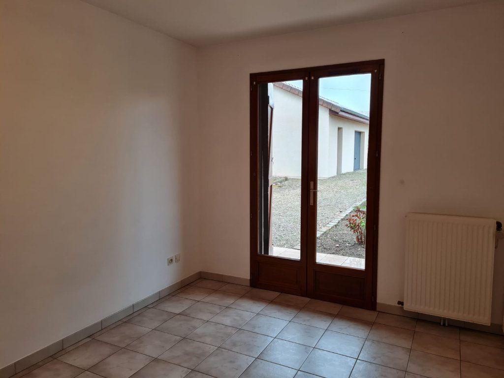 Maison à louer 5 106m2 à Sassenay vignette-9