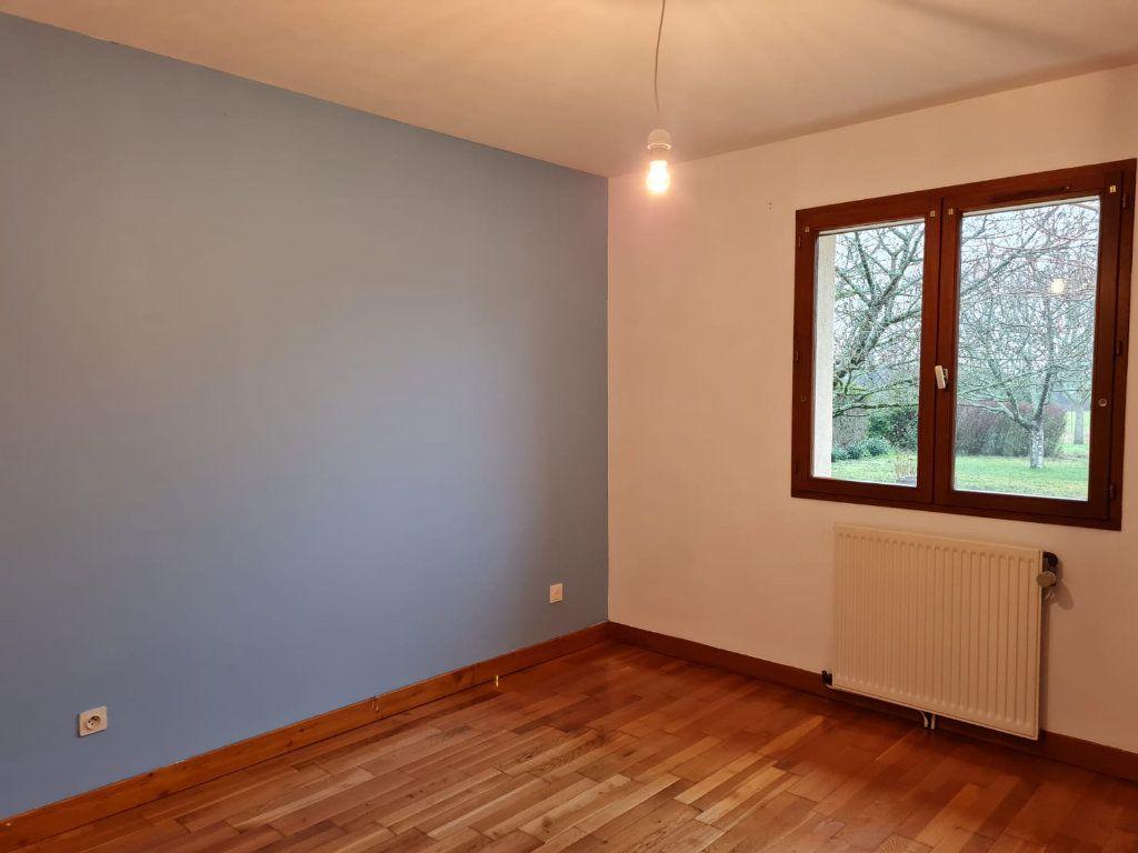 Maison à louer 5 106m2 à Sassenay vignette-10