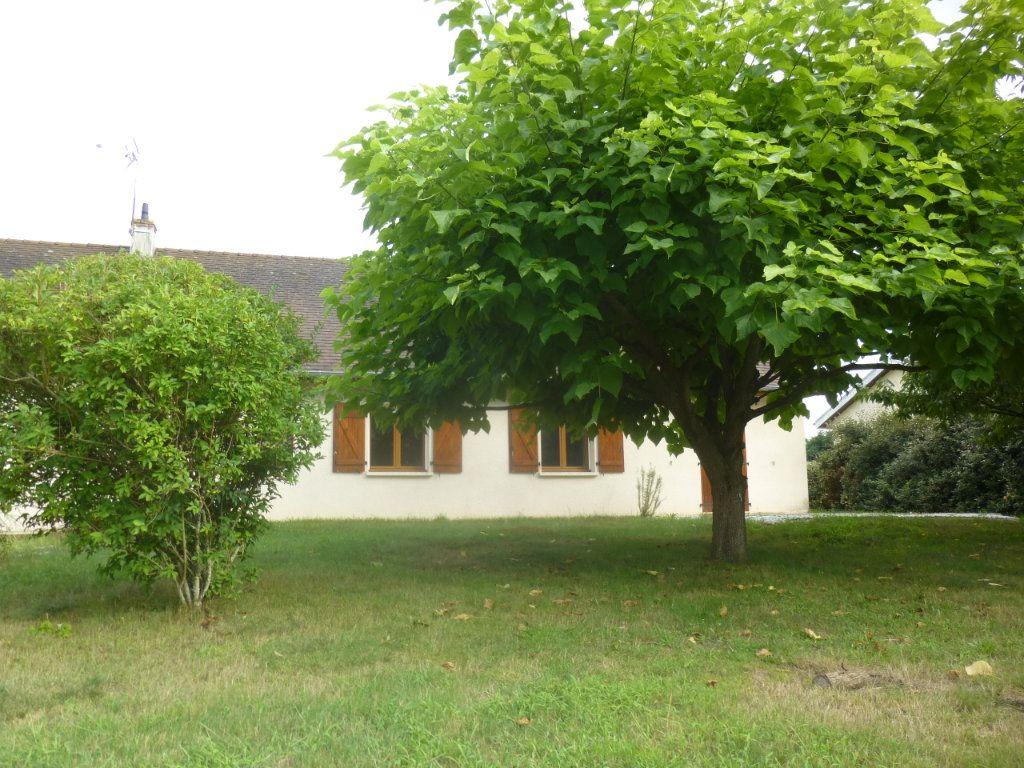 Maison à louer 5 106m2 à Sassenay vignette-15