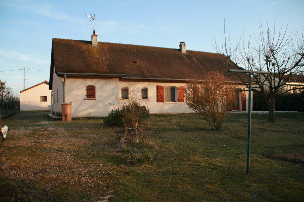 Maison à louer 5 106m2 à Sassenay vignette-16