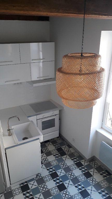 Appartement à louer 3 45m2 à Chalon-sur-Saône vignette-3