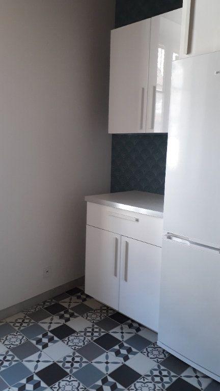 Appartement à louer 3 45m2 à Chalon-sur-Saône vignette-5
