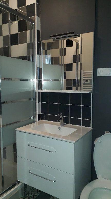 Appartement à louer 3 45m2 à Chalon-sur-Saône vignette-7