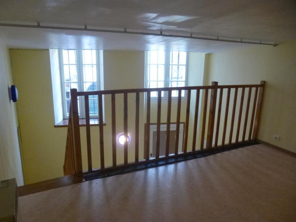 Appartement à louer 1 17.6m2 à Chalon-sur-Saône vignette-3