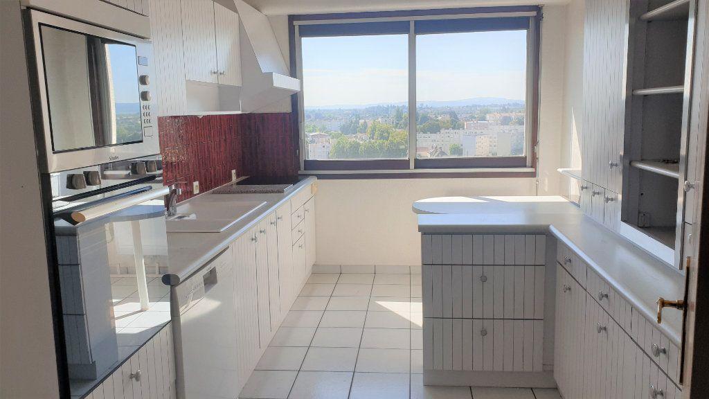 Appartement à louer 5 107m2 à Chalon-sur-Saône vignette-4