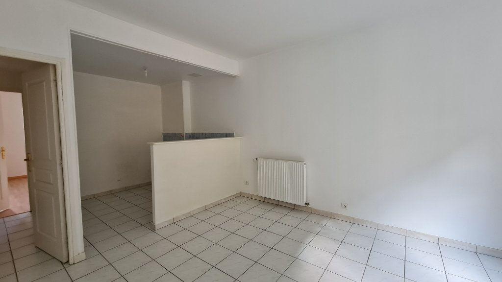 Appartement à louer 2 44m2 à Chalon-sur-Saône vignette-4