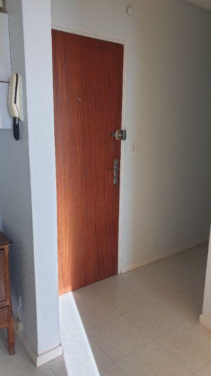 Appartement à louer 2 60m2 à Champforgeuil vignette-3