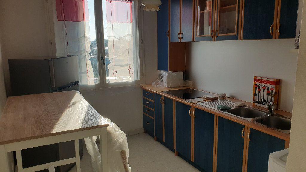 Appartement à louer 2 60m2 à Champforgeuil vignette-7
