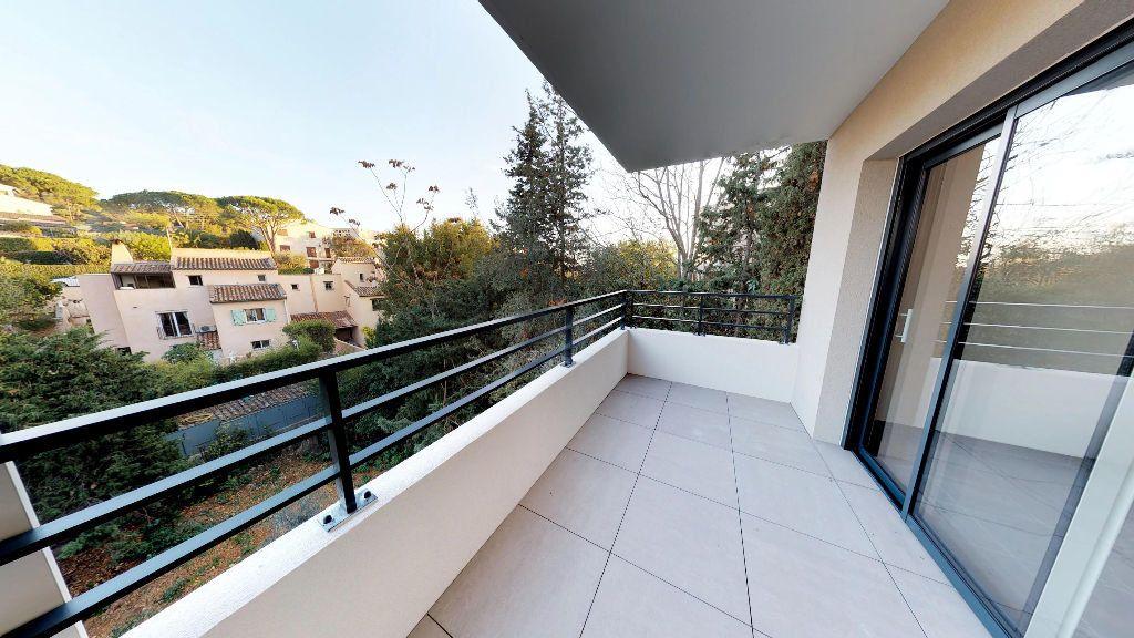 Appartement à louer 3 61m2 à Antibes vignette-1