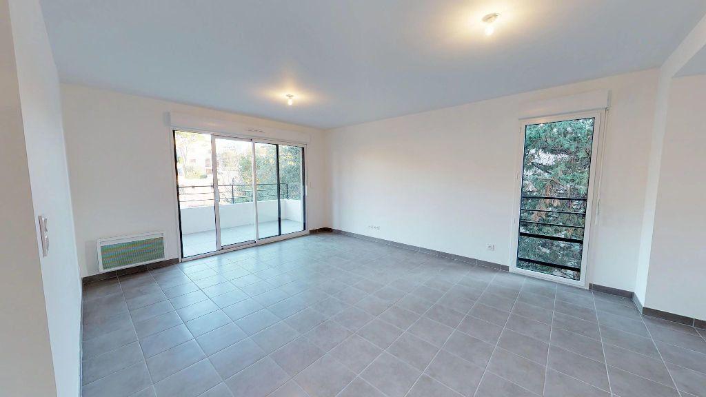 Appartement à louer 3 61m2 à Antibes vignette-5