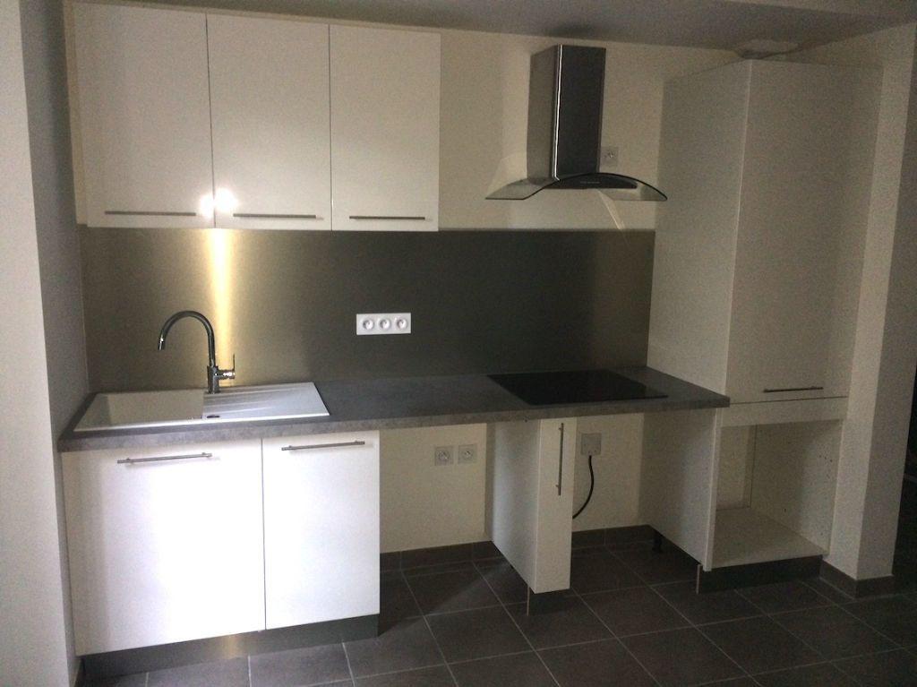 Appartement à louer 3 61m2 à Antibes vignette-6