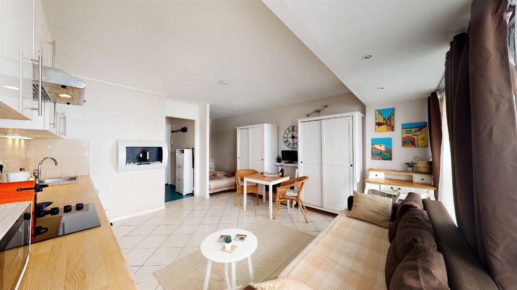 Appartement à vendre 1 28m2 à Nice vignette-2