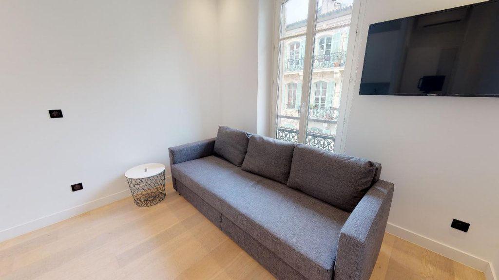 Appartement à louer 1 15.07m2 à Nice vignette-1