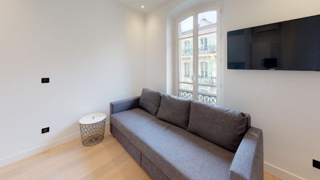 Appartement à louer 1 15.07m2 à Nice vignette-4