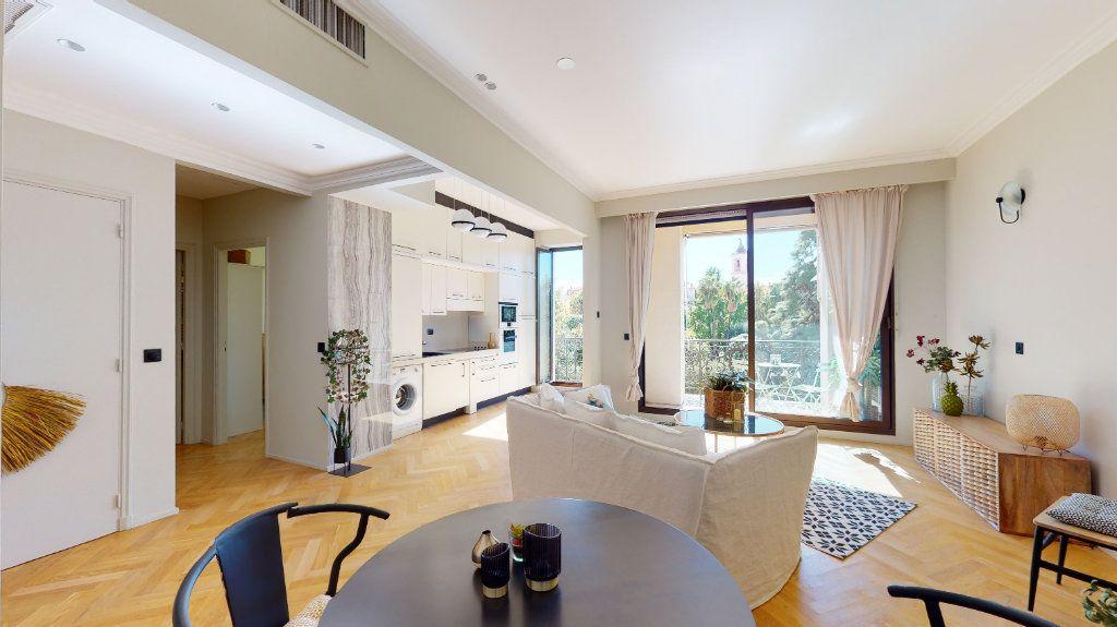 Appartement à vendre 2 56m2 à Nice vignette-3