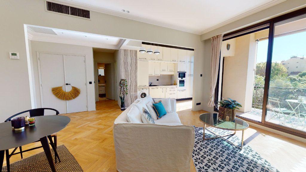 Appartement à vendre 2 56m2 à Nice vignette-4