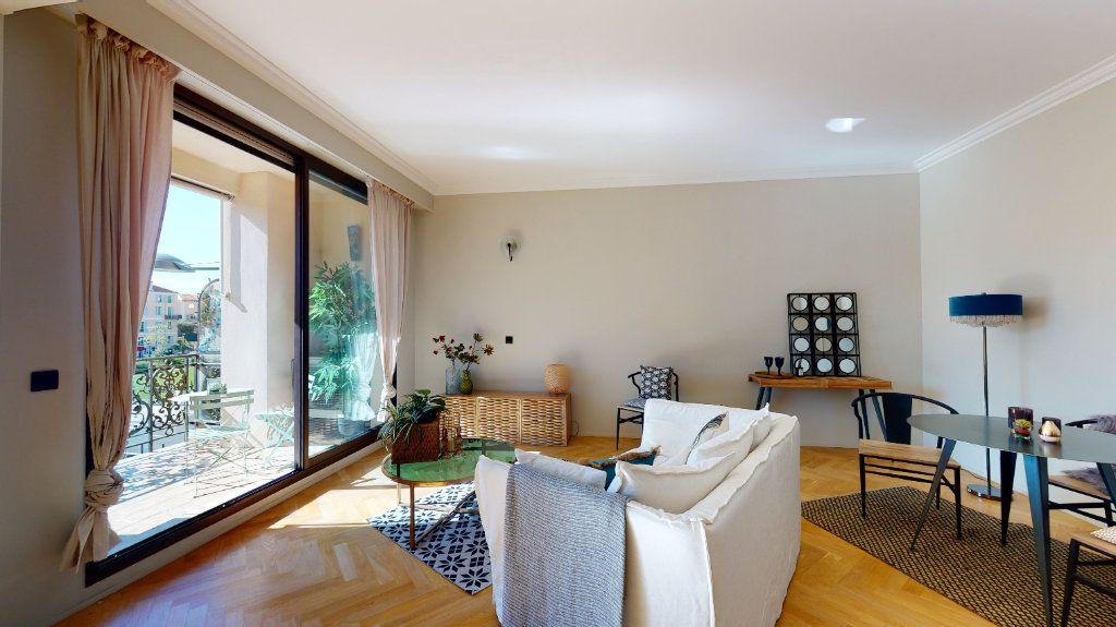 Appartement à vendre 2 56m2 à Nice vignette-5