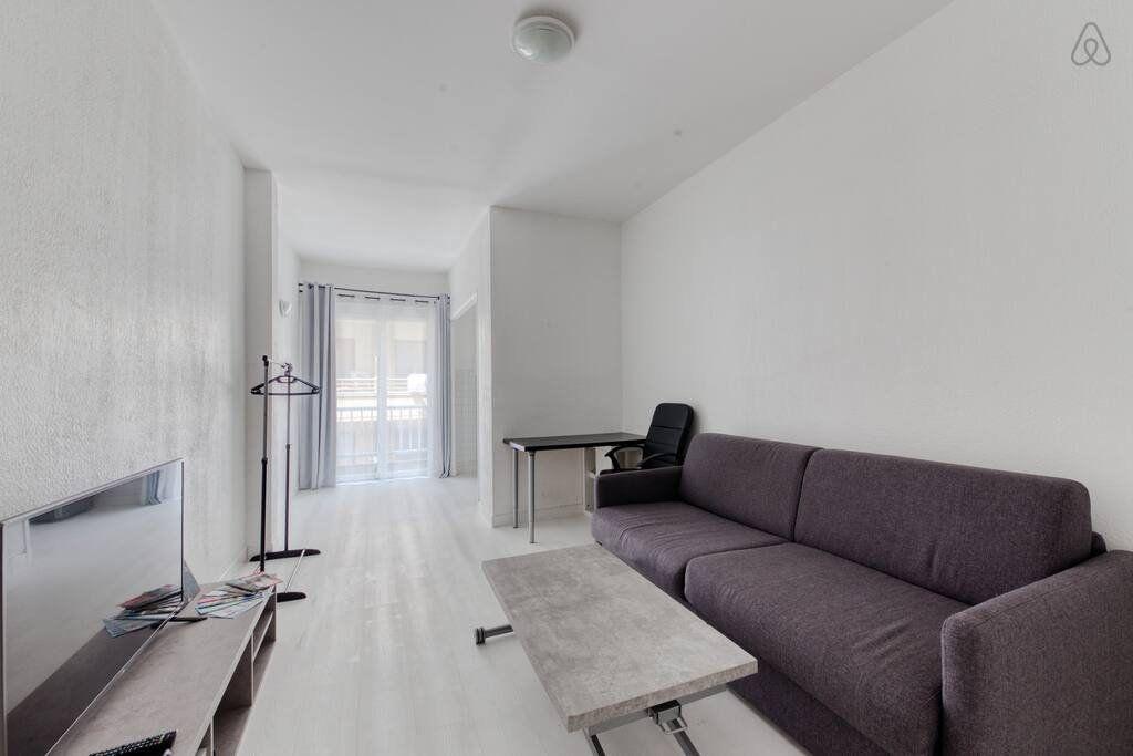Appartement à louer 1 24.7m2 à Nice vignette-1