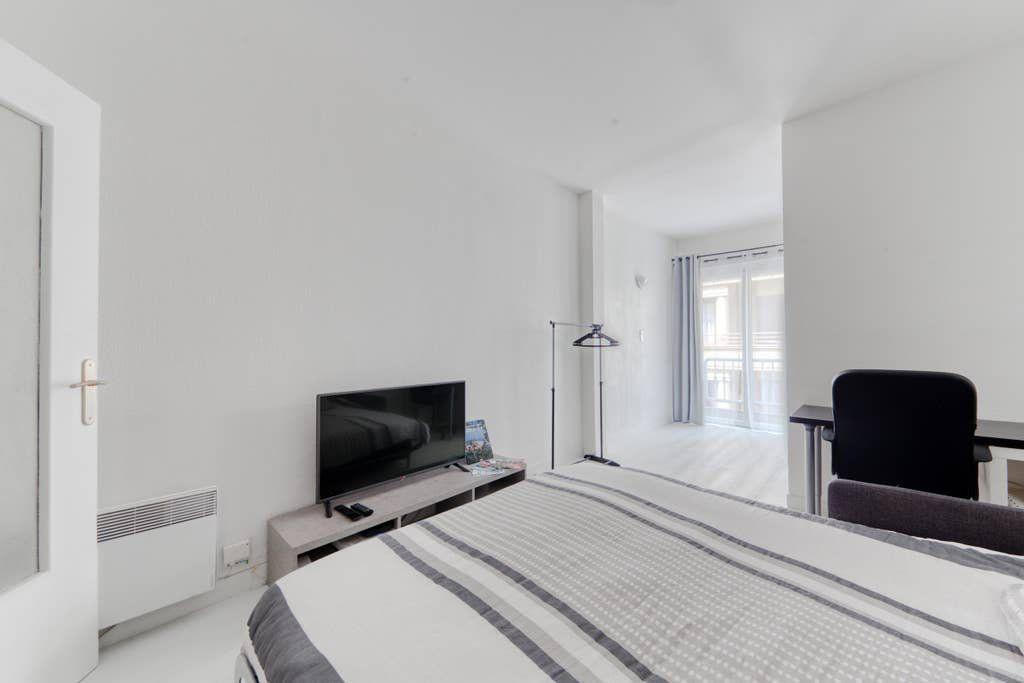 Appartement à louer 1 24.7m2 à Nice vignette-2