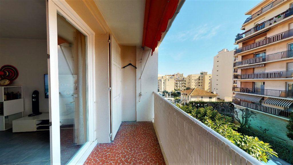 Appartement à vendre 3 56m2 à Nice vignette-1