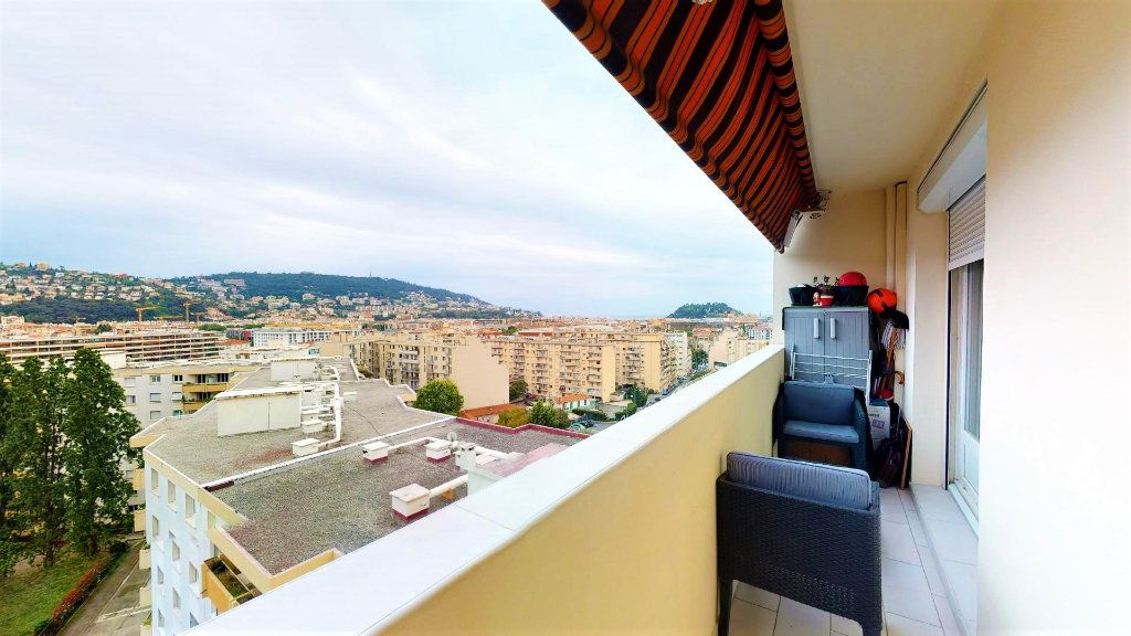 Appartement à vendre 2 51m2 à Nice vignette-1