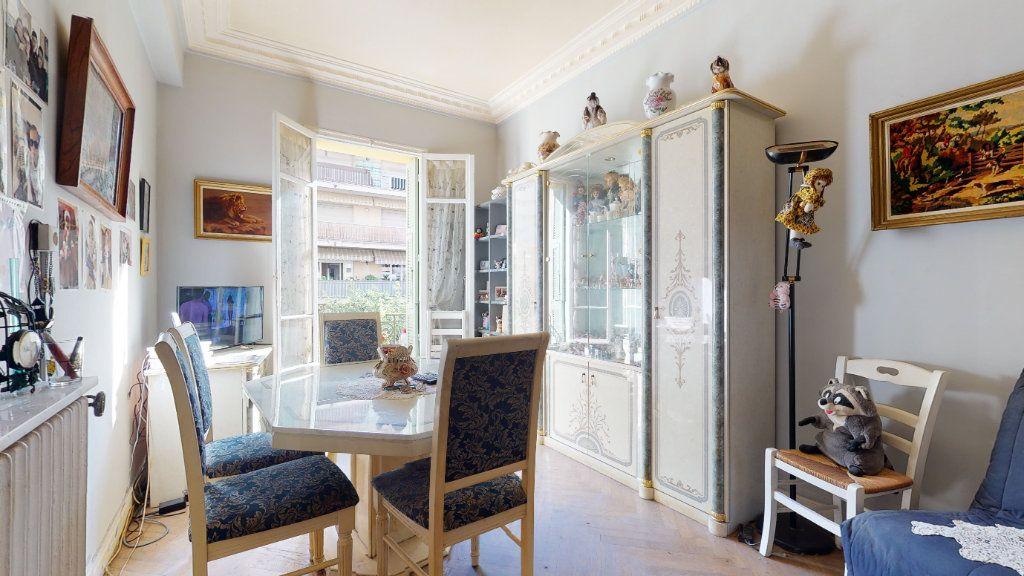 Appartement à vendre 2 47m2 à Nice vignette-2