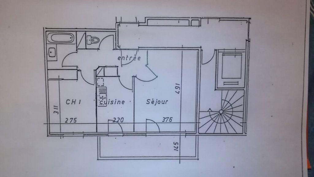 Appartement à louer 2 45.06m2 à Lyon 8 plan-1