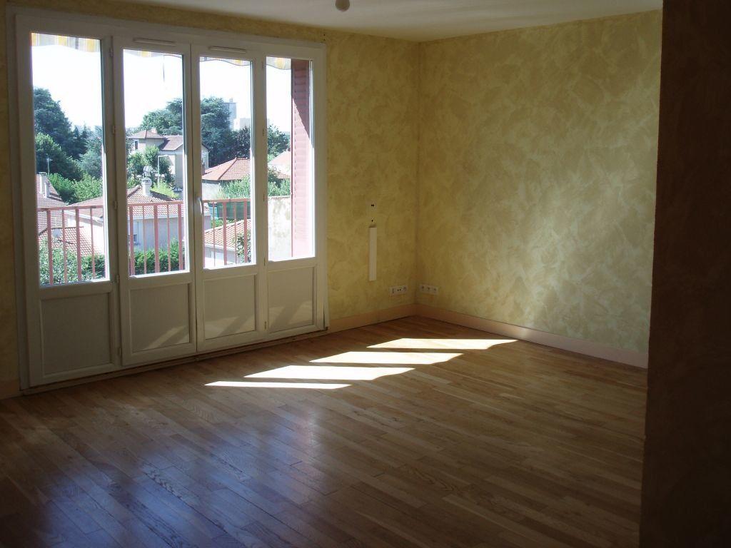 Appartement à louer 3 56.26m2 à Vénissieux vignette-4