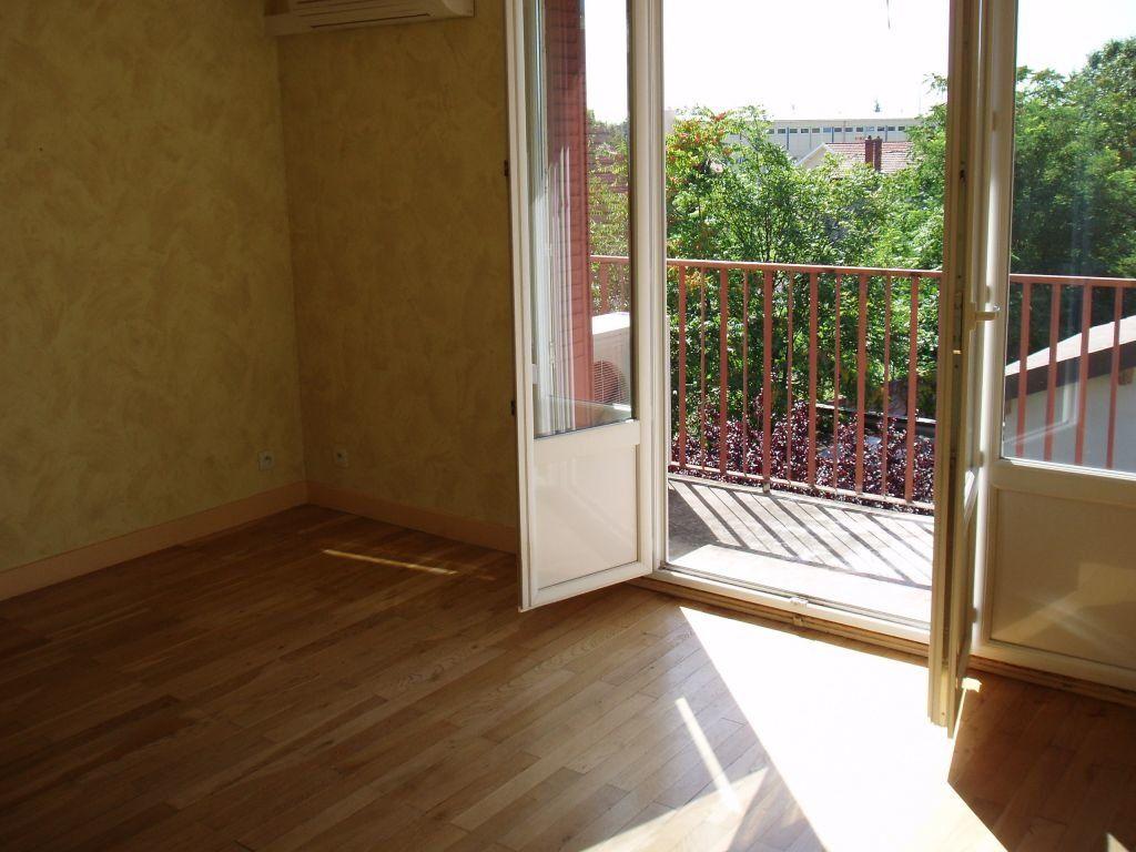 Appartement à louer 3 56.26m2 à Vénissieux vignette-5
