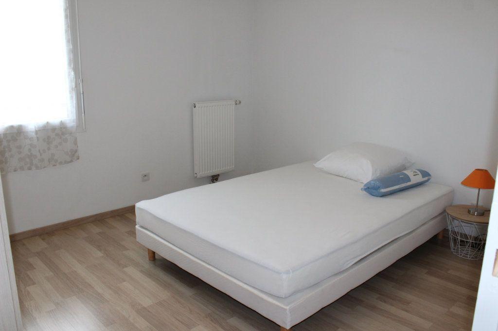 Appartement à louer 3 60.86m2 à Vénissieux vignette-5