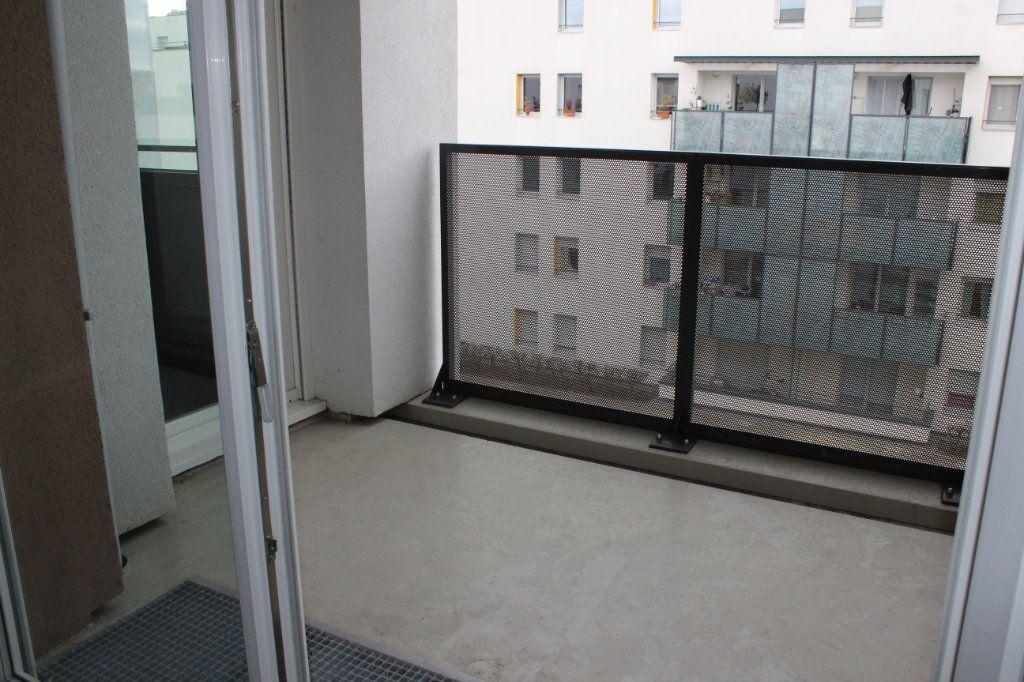 Appartement à louer 3 60.86m2 à Vénissieux vignette-10