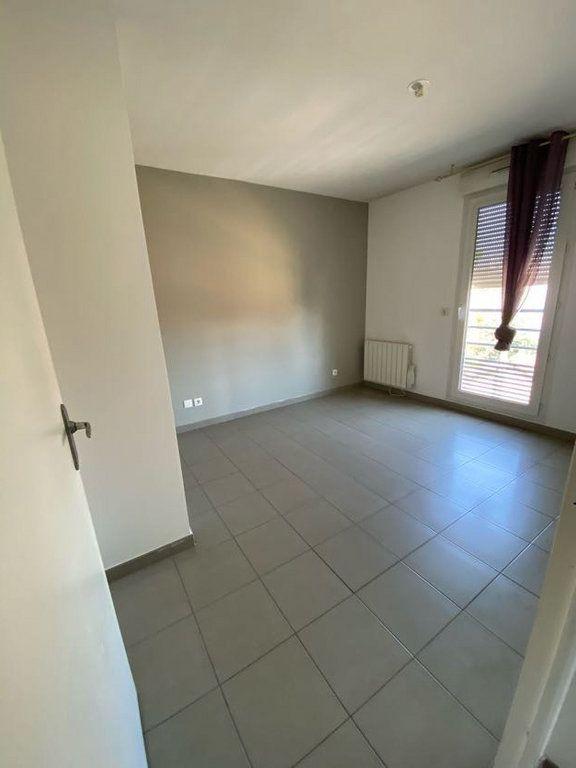 Appartement à vendre 3 65m2 à Vénissieux vignette-6