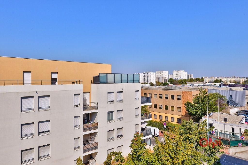 Appartement à vendre 4 94.46m2 à Vénissieux vignette-18