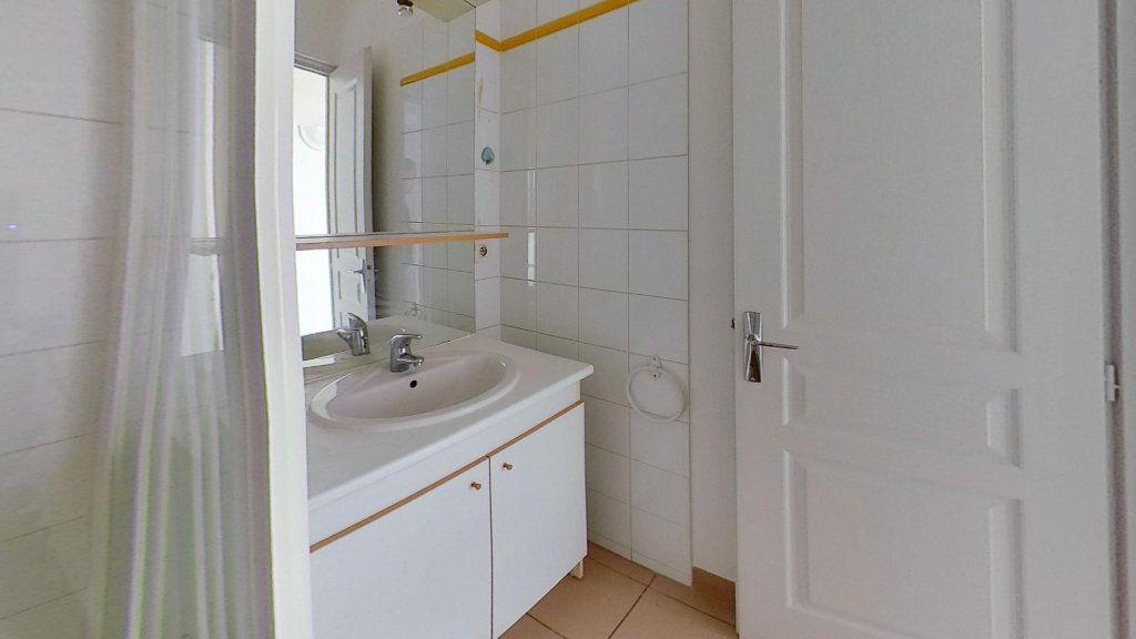Appartement à louer 3 57m2 à Vénissieux vignette-8
