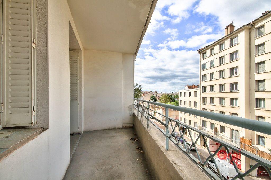 Appartement à vendre 3 61.1m2 à Lyon 8 vignette-2