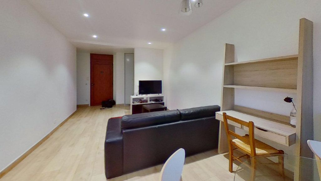 Appartement à louer 2 56.69m2 à Lyon 8 vignette-2
