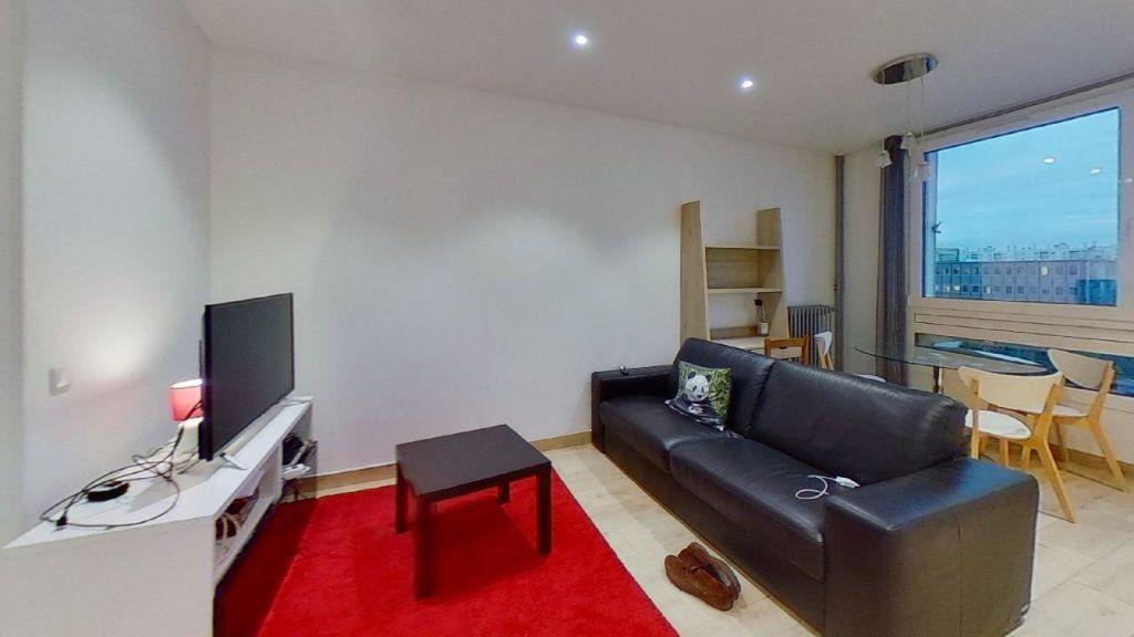Appartement à louer 2 56.69m2 à Lyon 8 vignette-3