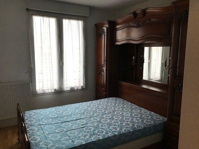 Appartement à louer 2 45.06m2 à Lyon 8 vignette-9