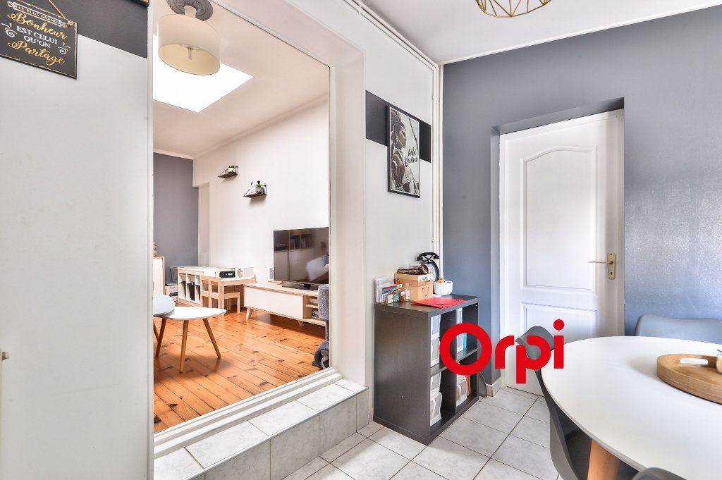 Appartement à vendre 3 62.13m2 à Vénissieux vignette-4