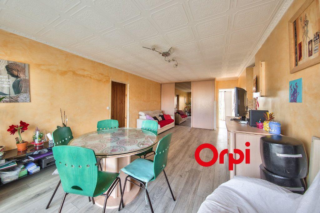 Appartement à vendre 5 97.15m2 à Vénissieux vignette-3