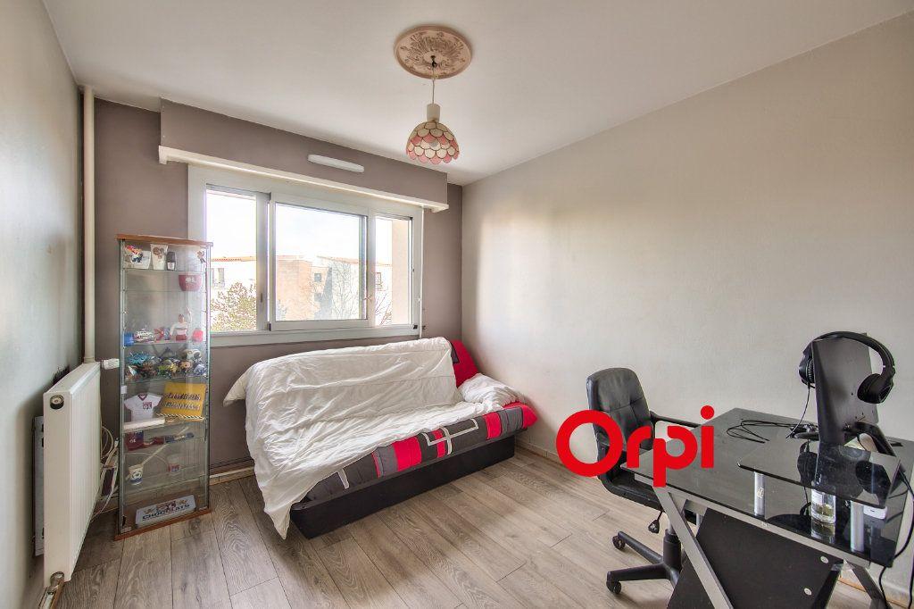 Appartement à vendre 5 97.15m2 à Vénissieux vignette-8